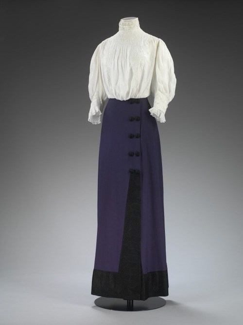 The shirtwaist and a gored, floor/ankle length skirt was the equivalent of jeans & a t-shirt.