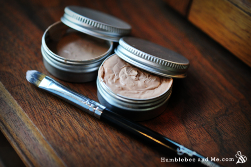 How to make your own DIY Healing Concealer
