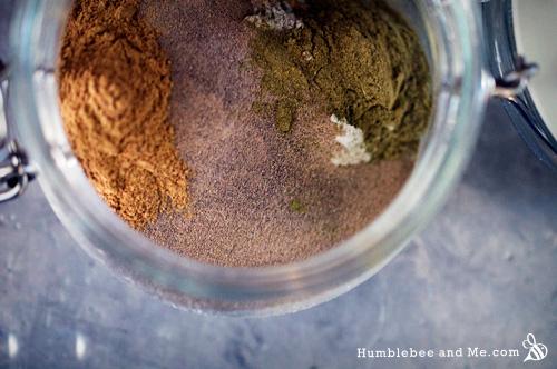 Очищающая травяная грязь для волос