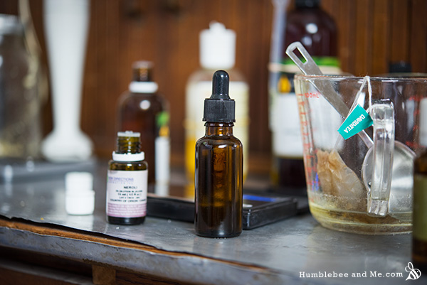 How to make a Luxury Facial Serum from beautiful natural oils