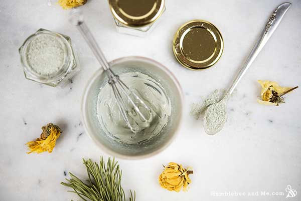 How to make a Holiday Parfait Face Mask