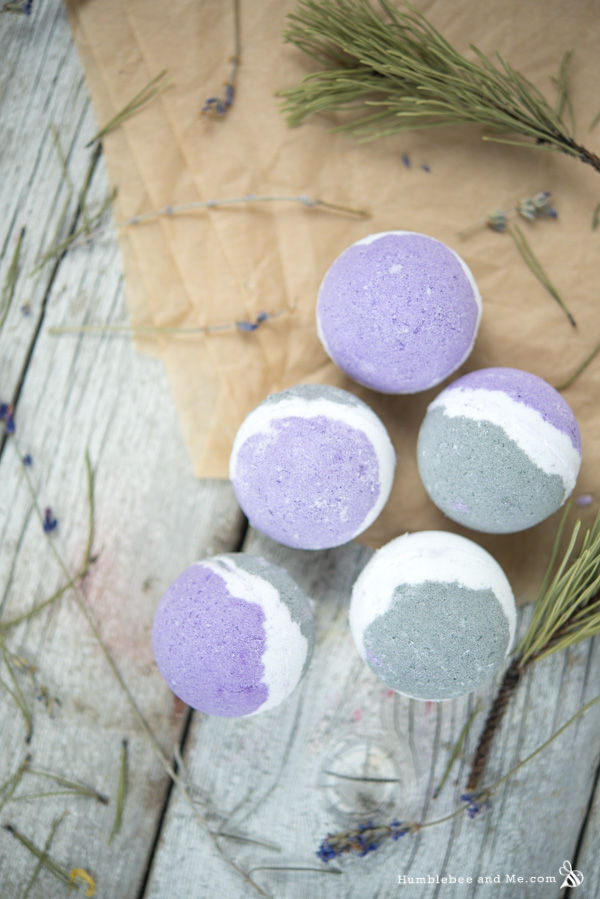 How to Make Lavender Spruce Bath Bombs
