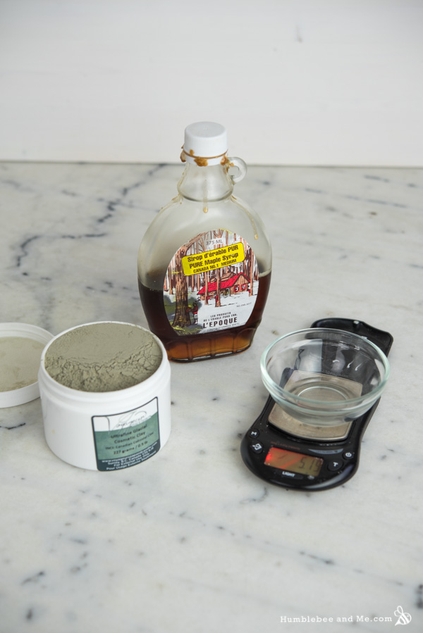How to Make a Canada Day Clay Face Mask